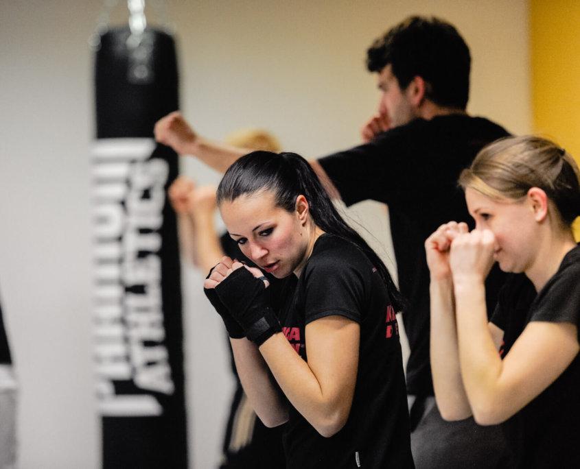 Training - Krav Maga Defcon Singen - Sportakademie Baumann - Chantal Baumann