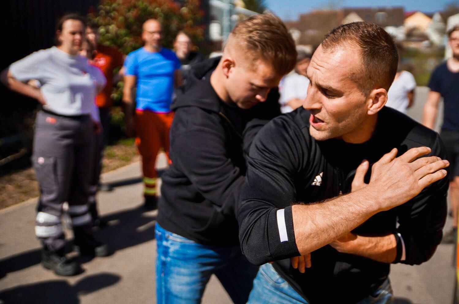 Sportakademie Baumann Krav Maga Defcon Car Defence 1